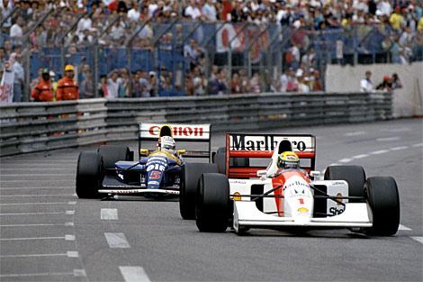 Senna e Mansell duelando em Monaco