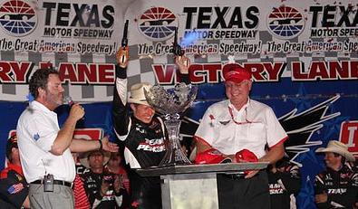 Ryan Briscoe comemora a vitória no Texas