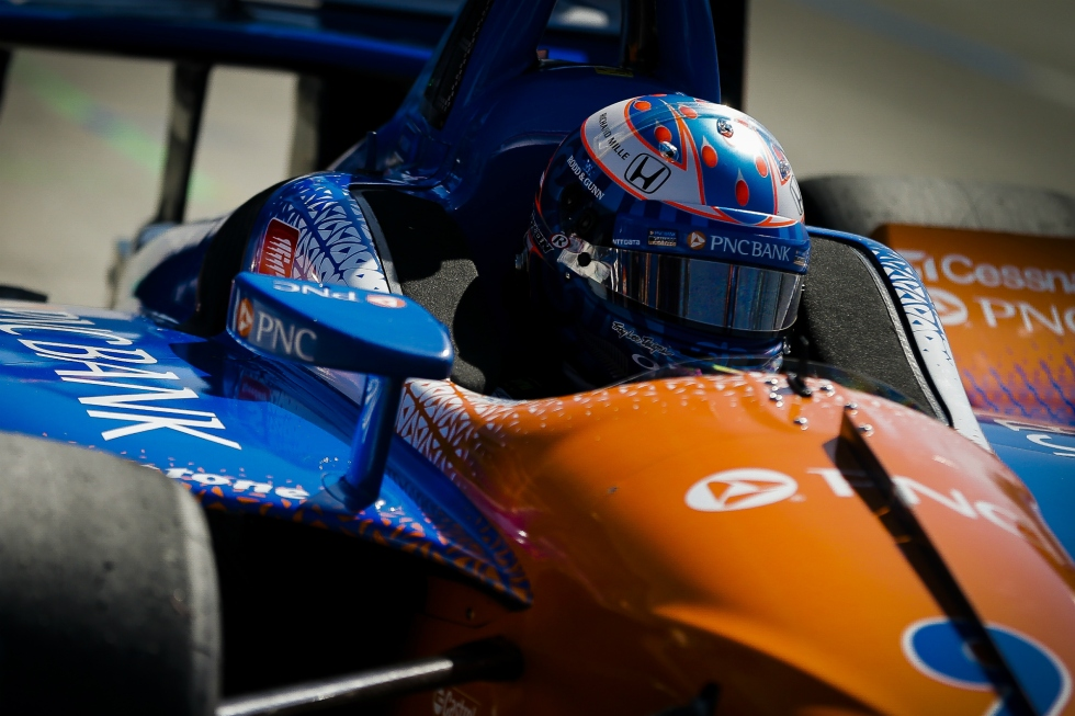 foto de Scott Dixon no carro